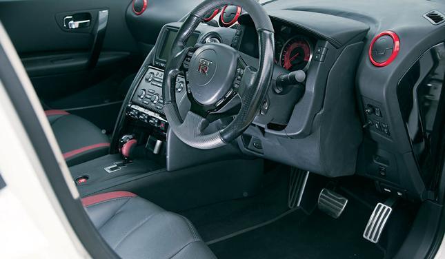 Тюнинг Nissan Qashqai R салон 3