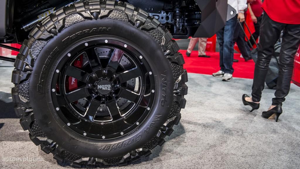 Тюнинг Toyota Tundra шасси 4 колёса