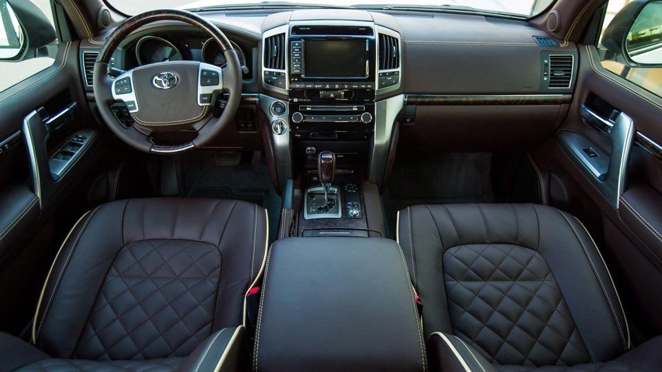 Tuning Toyota Landcruiser салон 1