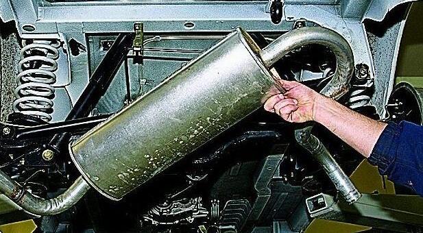Замена основного глушителя на автомобиле ВАЗ 2121 Нива